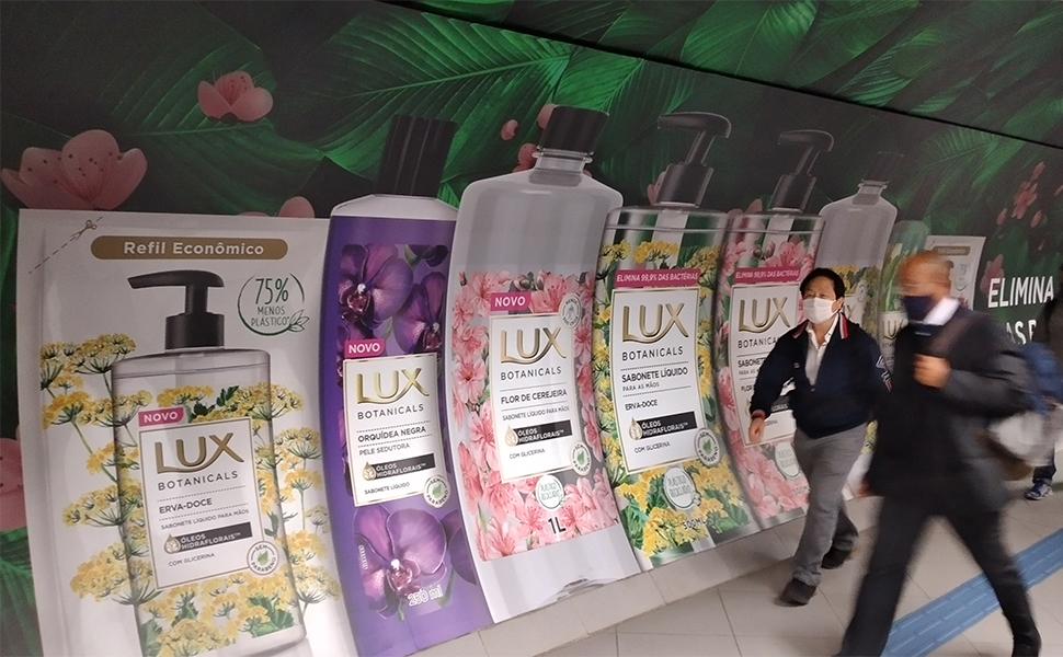 Impressão em grande formato é usada em ação no metrô de São Paulo