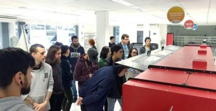Fábrica da Ampla recebe alunos da Universidade Tecnológica Federal do Paraná