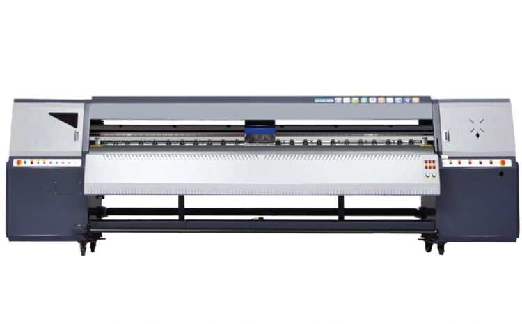 Akad anuncia impressora solvente de grande formato Novajet T8Q