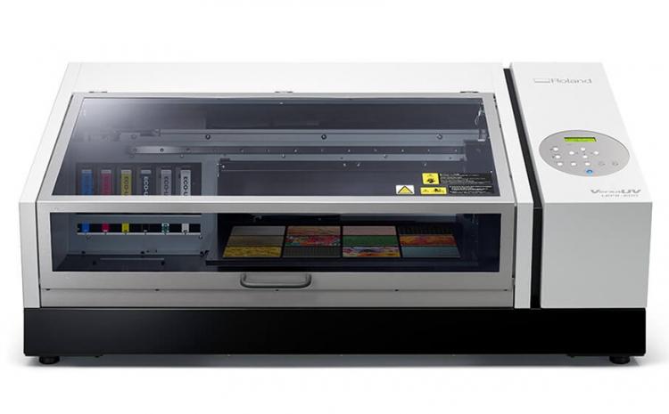 Novo equipamento da Roland DG que imprime direto em objetos chega ao mercado