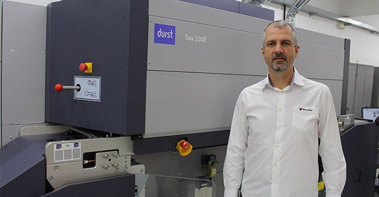 Versacolor investe em segunda impressora Tau 330E, da Durst